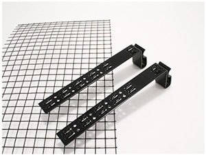 "SnapNRack Array Edge Clip > Single Clip for 4"" SolarEdge Screen Kit - One clip"
